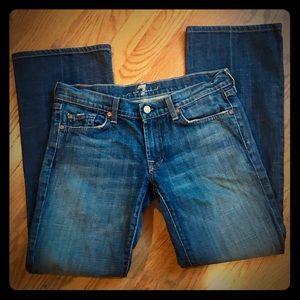 7FAM women's size 28 bootcut jeans EUC